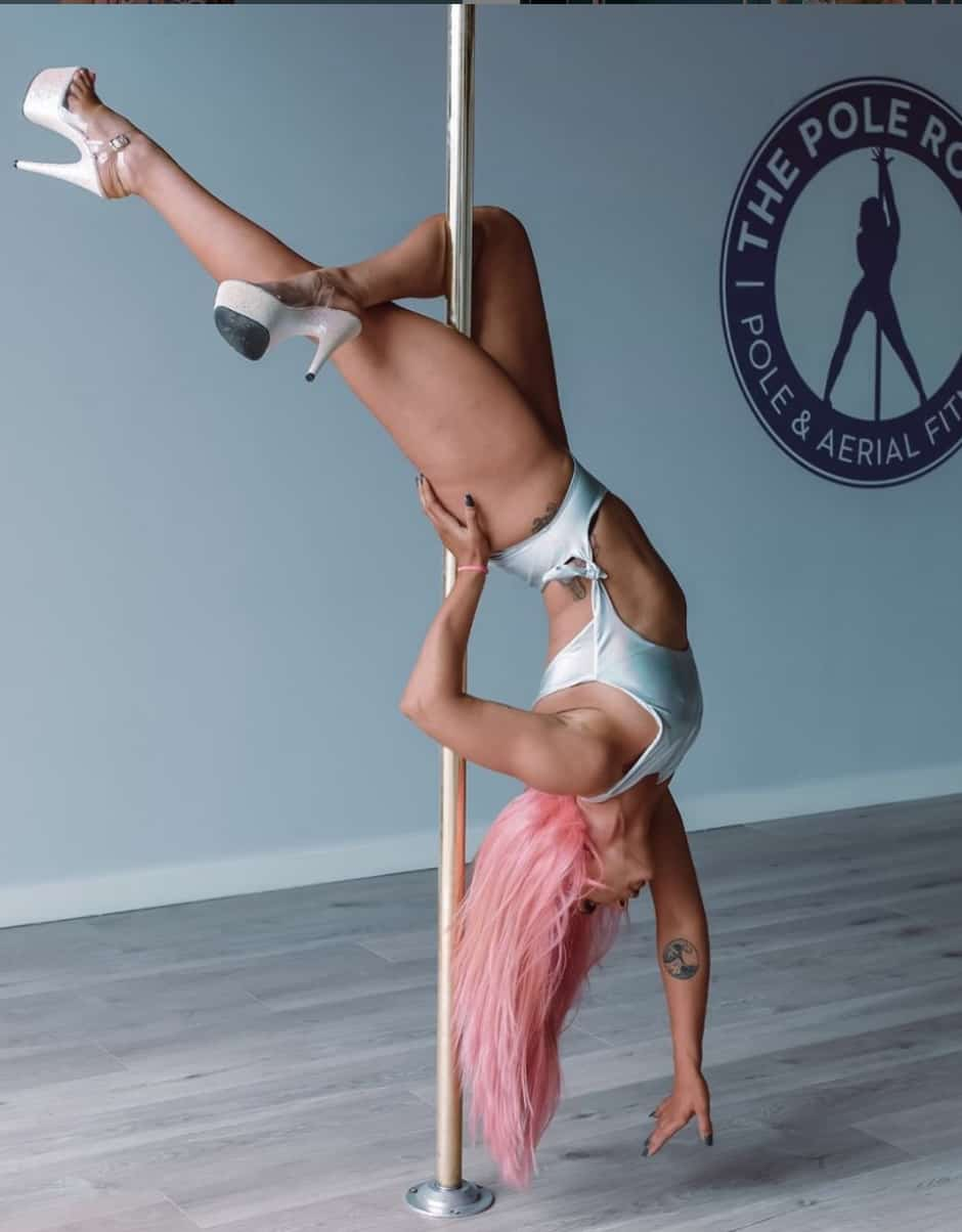 pole dancing classes melbourne, pole fitness, aerial classes, aerial silk classes, aerial silks, aerial fitness, hens parties
